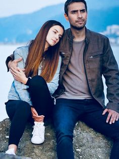 Oyy oyy - Home Page Celebrity Photos, Celebrity Style, Stranger Things Kids, Drama Tv Series, Best Friend Photography, Tv Couples, Turkish Beauty, Perfect Couple, Turkish Actors