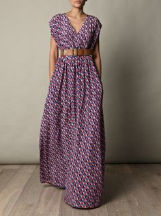 I like this print idea for DIY maxi dress, apparently its easy to sew: It's just 4 rectangles. Measure shoulder to hem length, then girth at widest part (hips?) and divide by 4. Add seam allowance. Sew allowing for neckline, arm holes. No pattern needed. 1/2 hour, max! Ooo must try!