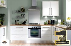 new ideas for kitchen renovation white cupboards Sage Green Kitchen, Green Kitchen Walls, Kitchen Wall Colors, Kitchen Paint, New Kitchen, Kitchen Cabinets, Wood Cabinets, Kitchen Wood, Green Sage