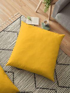 'The Pixel Fashion Pattern Yellow' Dekokissen von hatgirldesign Paleta Pantone, New York Fashion Week 2018, Mango Mojito, Yellow Throw Pillows, Winter Colors, Neon Yellow, Mustard Yellow, Pillow Design, Color Trends