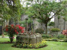 Paisajismo, pueblos y jardines: JARDINES EN LAS RUINAS DE LA IGLESIA DE SANTIAGO APÓSTOL, CARTAGO, COSTA RICA.