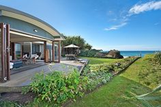 Childe Street - Holiday House Byron Bay