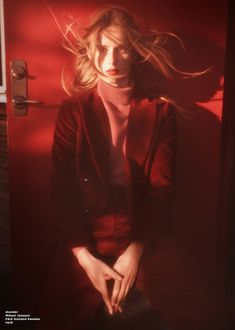 Massimo Dutti launches fall-winter 2018 campaign with Rianne van Rompaey Film Photography, Editorial Photography, Fashion Photography, Human Poses, Portrait Inspiration, Photos Du, Keep Calm, Photoshoot, People