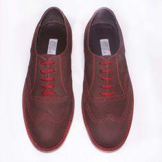 """Unos zapatos """"clásicos"""" pero modernos, con toques de color que te harán ver mucho más bello.. sólo #catanavia $295000"""