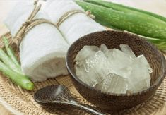 There are several uses and benefits of using coconut oil for cooking but did you know that you can use it directly on your skin, hair and body? Many people have experienced the first hand benefits of coconut oil on…Read more → Coconut Oil For Teeth, Coconut Oil For Dogs, Cooking With Coconut Oil, Coconut Oil Uses, Benefits Of Coconut Oil, Natural Shaving Cream, Oil For Stretch Marks, Aloe Vera For Hair, Natural Deodorant