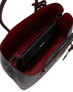 Prada Saffiano Cuir Medium Double Tote Bag in Black Bag Prada, Prada Purses, Prada Handbags, Leather Handbags, Leather Bags, Cute Purses, Purses And Bags, Prada Double Bag, Prada Saffiano