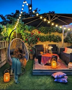Find Tons of Decor Inspiration in This Quirky and Colorful UK Home - Bold and Eclectic Home Decor Styling Ideas Terrace Design, Patio Design, Home Garden Design, Backyard Designs, Outdoor Spaces, Outdoor Living, Outdoor Balcony, Garden Nook, Terrace Garden