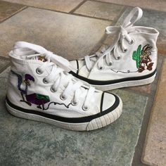 93141cdaaef Rare Looney Tunes Canvas Shoes Canvas Hi-Tops by MyVintagePoint Looney Tunes