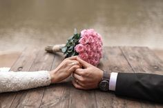 Have a look at doing this for a fantastic idea completely. Glamorous Wedding Wedding Couple Poses Photography, Wedding Poses, Wedding Shoot, Wedding Couples, Diy Wedding, Dream Wedding, Glamorous Wedding, Pre Wedding Photoshoot, Foto Pose