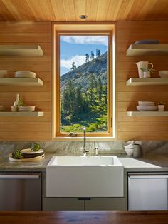 Wood and white: Crows Nest Residence in Sugar Bowl Ski Resirt, california, designed by BCV Architecture kitchen