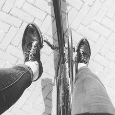 Anne op Instagram: Hey i put some new shoes on... . . . . . . #shoes #Gabor #Schuurman-schoenen #new #Amsterdam #photo #bike #black #lak #blog #justanne