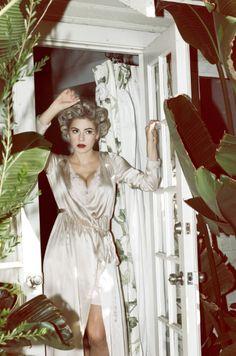 Marina and the Diamonds // Primadonna photo by Casper Balslev for Electra Heart