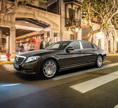 The new Mercedes-Maybach S-Class: an extra highlight in the luxury segment.Stylish sovereignty is a sign of the emphatic lines of the Mercedes-Maybach S 600.