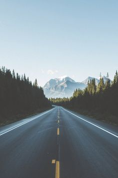 3 perfect road trips for summer travel & lifestyle туристиче Beautiful World, Beautiful Places, Beautiful Pictures, Landscape Photography, Nature Photography, Travel Photography, Perfect Road Trip, Adventure Is Out There, Aesthetic Wallpapers