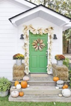 Greet your holiday guests with these festive Thanksgiving wreaths. Choose one of these easy DIY and homemade wreaths, and consider your holiday decorating done. Diy Fall Wreath, Autumn Wreaths, Wreath Crafts, Fall Diy, Wreath Ideas, Homemade Wreaths, Seasonal Decor, Holiday Decor, Fall Door Decorations