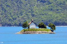 Lac de Serre Ponçon (Hautes-Alpes, France)