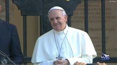 """Pape François - Pope Francis - Papa Francesco - Papa Francisco - 22 sept 2013 Voyage en Sardaigne : le pape attaque le système économique commandé par """"l'argent roi"""""""