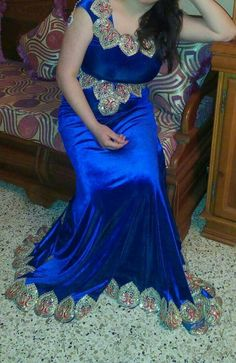 Robe bleu royal Royal Blue Dresses, Satin Dresses, Gowns, Formal Dresses, Self Portrait Photography, Dress Robes, Estilo Boho, Moroccan Style, Maternity Dresses