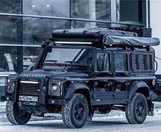 Land Rover Defender 110 Td4 SW SE. Adventure. Black.