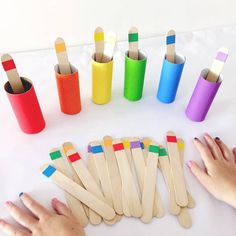 ⋆ Mothers Club - Montessori activities 2 years: 10 e Preschool Learning Activities, Infant Activities, Preschool Activities, Teaching Kids, Kids Learning, Colour Activities For Toddlers, Teaching Colors, Day Care Activities, Color Sorting For Toddlers