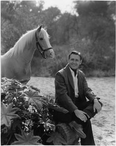 "Mister Ed (palomino) and Alan Young, the final publicity photo before ""Mister Ed"" TV show was cancelled. This is my first attempt at a bigger scene and an animal. I loved them both Vintage Tv, Vintage Soul, Vintage Holiday, Anime Puppy, Mister Ed, Alan Young, Classic Comedies, Cowboy Horse, Fotografia"