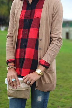 Fall Outfit With Plain Light Brown Cardigan and Ripped Jeans