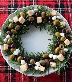 A Christmas Cruise on the S. Noel – Pavilions A Christmas Cruise on the S. Noel Cheese and Olive Wreath – Look at this easy idea for holiday entertaining using tasty olives and cheese. Adult Christmas Party, Christmas Snacks, Noel Christmas, Holiday Fun, Christmas Cheese, Christmas Recipes, Holiday Recipes, Party Recipes, Christmas Apps