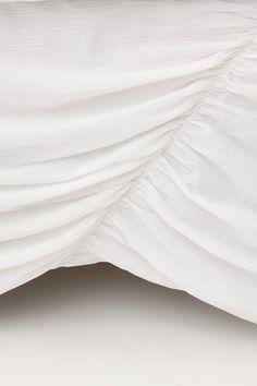Slide View: 1: Georgina Bed Skirt