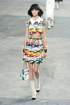 Chanel Spring 2014 Ready-to-Wear Runway - Chanel Ready-to-Wear Collection