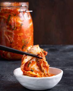 Easy Korean Kimchi - Marion's Kitchen Canning Recipes, Kitchen Recipes, Asian Recipes, Oriental Recipes, Asian Foods, A Food, Food And Drink, Korean Kimchi, Kimchi Recipe