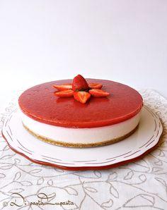 Cheesecake alla fragola con fruttosio e agar-agar