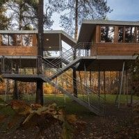 Belgian Tree House on Stilts by Baumraum Studio