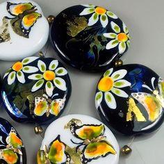 "TRIZAS-ORIGINAL  Handmade lampwork bead ""daisies and butterflies"" TOS0513 SRA #TRIZASOriginal #Lampwork"