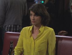 Robin's yellow button up blouse on How I met your mother.  Outfit Details: http://wornontv.net/512/ #HowIMetYourMother