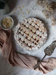 Jednoduchý jablkový koláč Sweet Recipes, Pie, Cozy, Bread, Chocolate, Blog, Basket, Pies, Kuchen