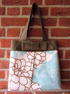 so cute wish I had a purse like this!