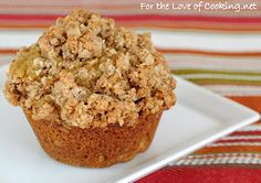 Pumpkin Muffins with Oatmeal Streusel Topping: