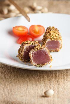 tonno in crosta di pistacchi e mandorle                     #recipe #juliesoissons