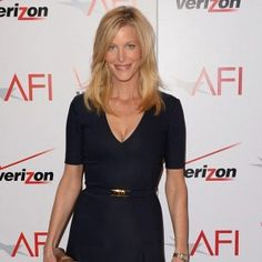 Anna Gunn Bio - Married, Height, Divorce, Age, NetWorth, Family, Wiki, Salary, Affair Anna Gunn, Famous Women, Breaking Bad, American Actress, Biography, Divorce, Affair, Celebrity, Relationship