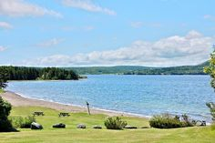 Groves Point Beach, Boularderie