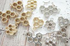 6 pcs Open Bezel Charm / 3 kinds Honeycomb (15-27mm) AZ565 by Candydecoholic on Etsy