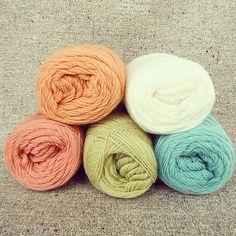 #knitting #crochet #yarn #color #編み物 - @elle170- #instagram