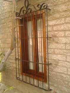 Reja artistica de hierro cuadrado masizo tes window and - Verjas de madera ...