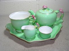Royal Winton Rosebud Bachelor Breakfast Tea Service  Added to Your favorites.   Share with friends1