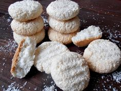 - News - Bubblews Romanian Desserts, Russian Desserts, Baby Food Recipes, Cookie Recipes, Dessert Recipes, Coconut Biscuits, Coconut Cookies, Dessert Drinks, Biscuit Recipe