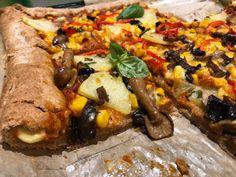 Pizza vegana. Un deliciu pentru mari și mici Pizza, Vegan Recipes, Vegan Food, Sausage, Pork, Meat, Kale Stir Fry, Veggie Food, Vegane Rezepte