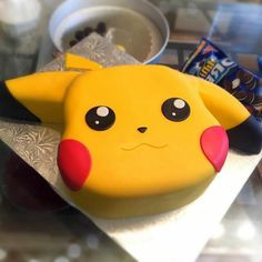 ▷ 1001 + ideas for a beautiful Pokemon cake for your birthday child - yellow pokemon being pikachu with red cheeks and black eyes – great idea for a pokemon cake - Pokemon Torte, Pokemon Cake Topper, Pokemon Cakes, Bolo Pikachu, Pikachu Cake, Pokemon Party Decorations, Birthday Party Decorations Diy, Anniversaire Cow-boy, Pokemon Birthday Cake