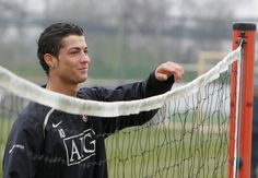 Cristiano Ronaldo enjoying a laugh during training at Aon Training Complex. Manchester United Images, Official Manchester United Website, Manchester United Football, Cristiano Ronaldo Manchester, Cristiano Ronaldo Cr7, Good Soccer Players, Football Players, Cristino Ronaldo, Premier League Champions