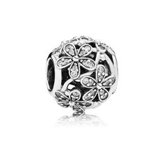 Check out my favorite from the PANDORA Spring collection