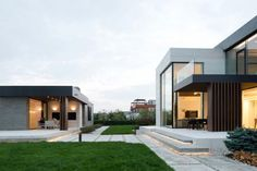 Elegant contemporary country house in the Suburbs of Pestovo, Russia Architects: Alexandra Fedorova Location: Pestovo, Russia Year: 2016 Area: ft²/ 300 m² Photo courtesy: Alexandra Fedorova Thank you for reading this article! Modern Bungalow Exterior, Modern House Facades, Craftsman Exterior, Modern Architecture House, Architecture Design, Country Contemporary Decor, Contemporary House Plans, Modern Small House Design, House Front Design